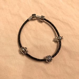 Sterling silver clasp charm bracelet + 3 charms